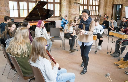 "Educationprojekt ""KulturTagJahr"" der IGS Nordend in Frankfurt am Main mit dem Ensemble Modern (Foto: Michael Habes)"